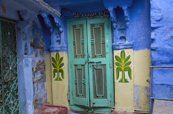 Most of the houses inside Brahmapuri date back more than three centuries